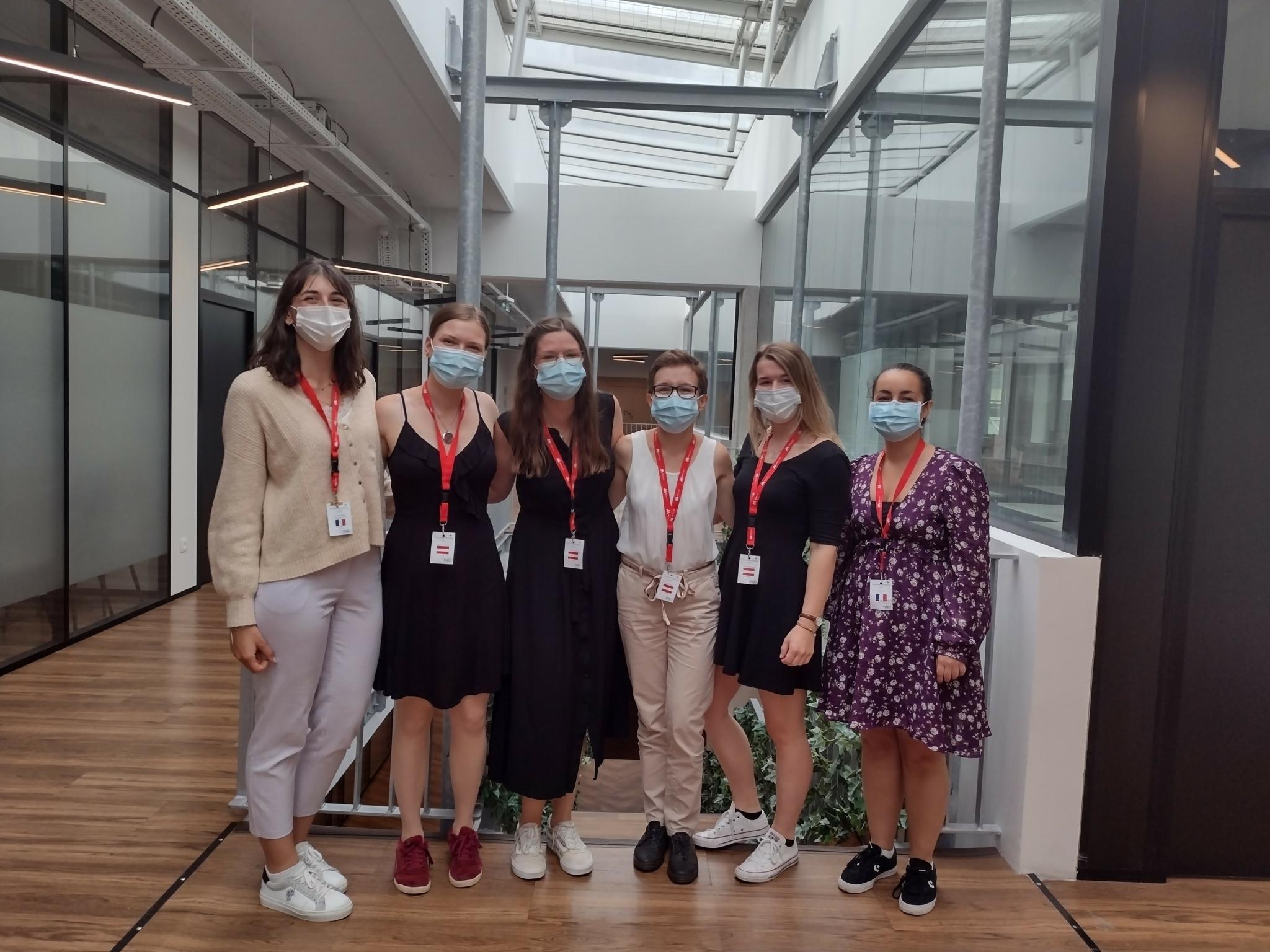 Die französischen Gastgeber*innen mit den Logopädie Studierenden der FH Gesundheitsberufe OÖ  (vergrößerete Ansicht in der Galerie)
